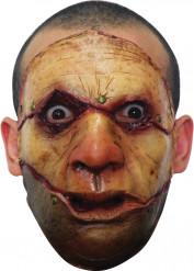 Masker van een moordenaar met een verscheurd gezicht voor volwassenen Halloween