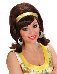 Kastanjebruine jaren 60 pruik met geel lint voor vrouwen