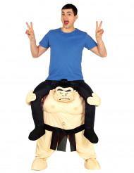 Man op de rug van een sumoworstelaar kostuum voor volwassenen