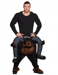 Man op de rug van een gorilla kostuum voor volwassenen
