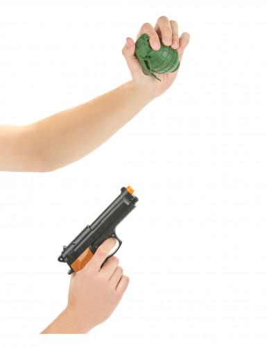 Revolver en granaat-1