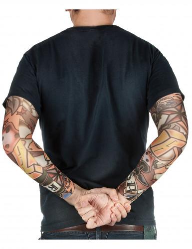 Mouwen met nep tatoeages