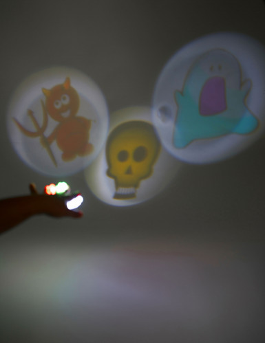 3 Halloween LED projectors-1